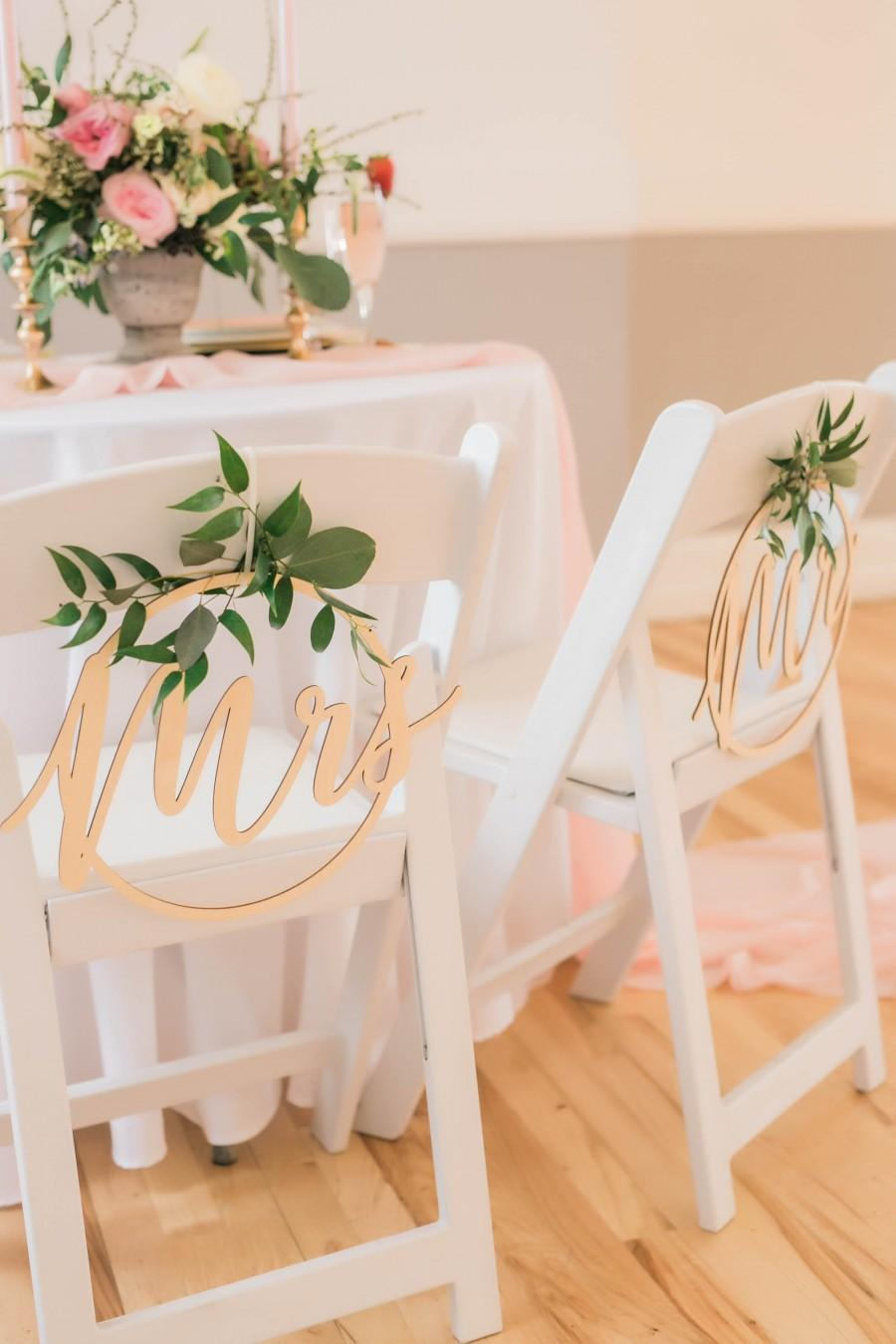Mariage - Mr and Mrs Wedding Chair Signs - Mr and Mrs - Circle Wedding Sign - Chair Back Sign - Sign for Back of Chair Bride and Groom - Wooden