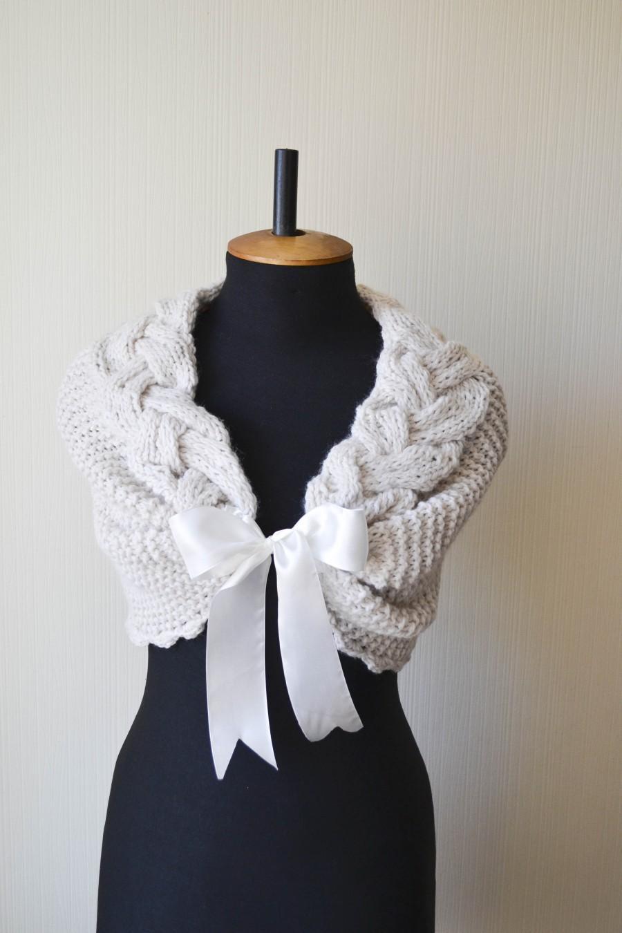 Свадьба - Bridal cover up White bridal shawl Bridal shrug Bridal shawls and wraps Bridal knit wrap Ivory bridal stole Winter wedding shrug