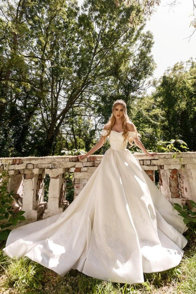 Mariage - Satin Wedding Dress, Wedding Dress, Ivory Wedding Dress, Simple Wedding Dress, Wedding Dress 2020, Plus Size Wedding Dress, Gown Bridal