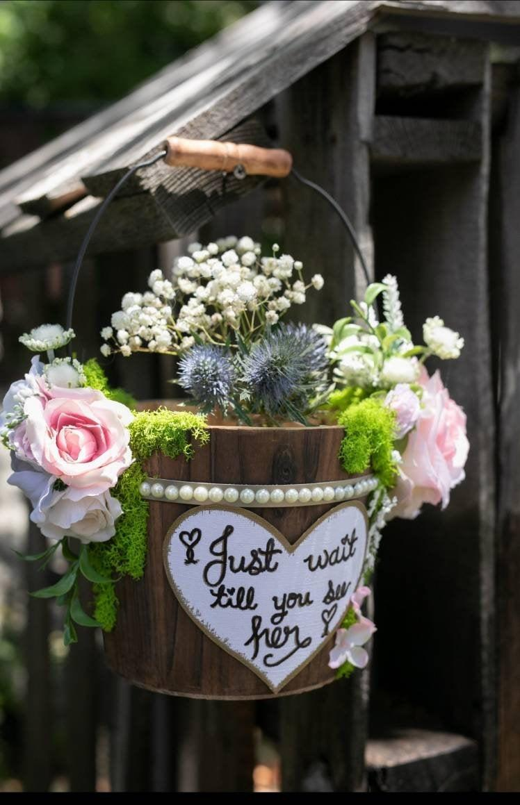Свадьба - Rustic Ivory Flower Girl Baskets/ White Flower Girl Basket