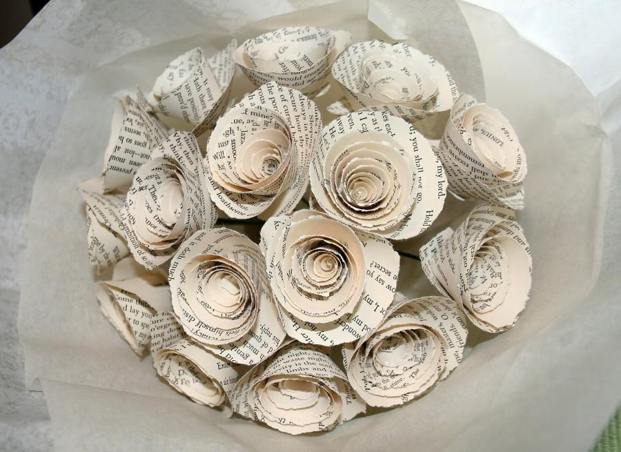 Hochzeit - William Shakespeare, Paper Flower Bouquet, Set of 16, Literary Flowers, Book Lover Gift, Paper Anniversary, Gift Bouquets, Vintage Book