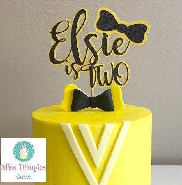 Свадьба - Emma wiggle inspired cake topper, Bow cake topper, girls cake topper, yellow bow cake topper, wiggle inspired cake topper