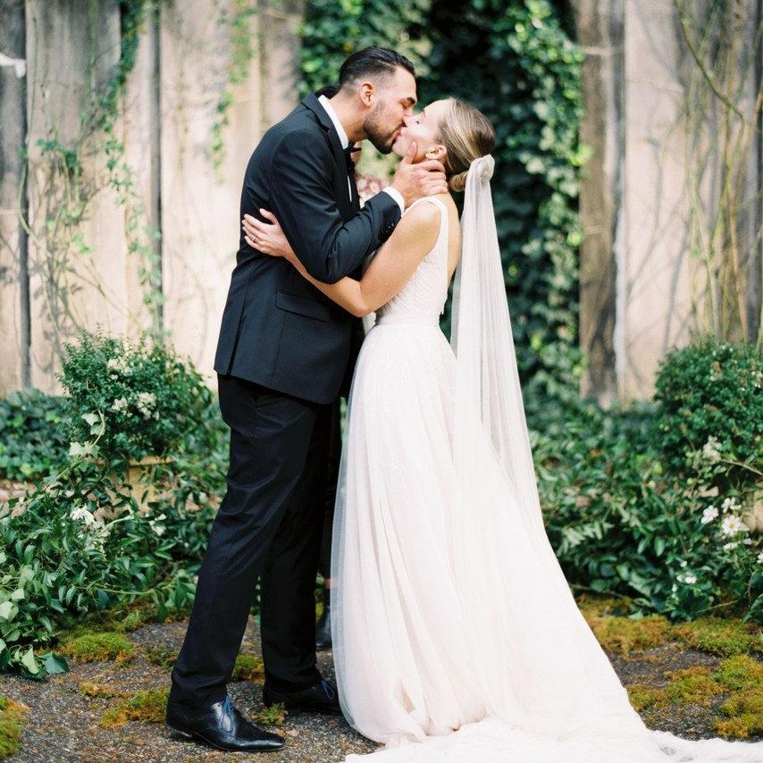 Wedding - Silk Tulle Wedding Veil, 100% natural Ivory silk tulle Veil, super soft silk tulle wedding veil, chapel silk veil Bridal simple wedding veil