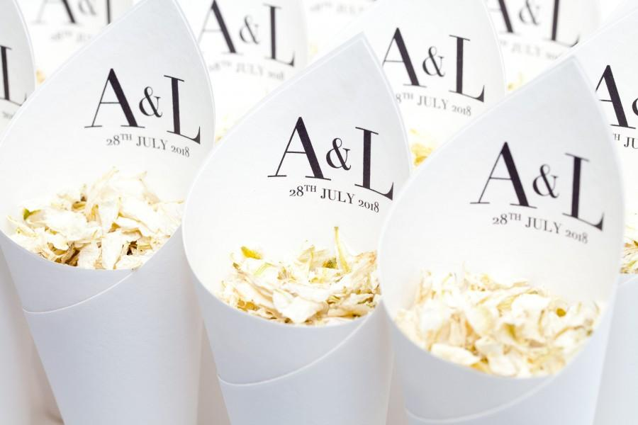 Wedding - Wedding confetti cones personalised Vogue style