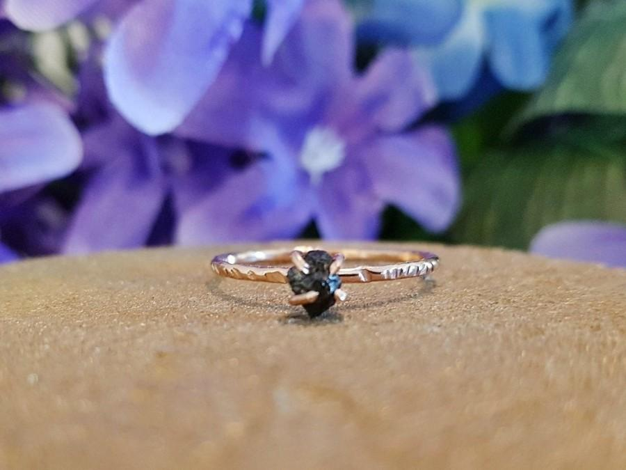 Свадьба - Carbonado Black Diamond Engagement Ring ~ Rough, Raw Black Diamond Solitaire Set In A Dainty Rose Gold Band ~ Size 6.5