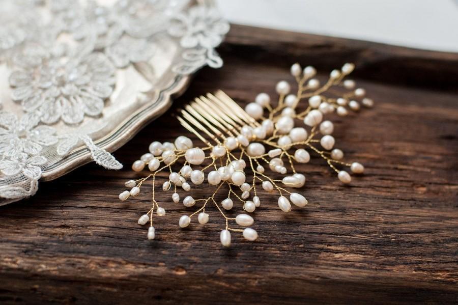 Свадьба - Bridal Hair Comb Wedding Hair Decorative Comb Pearl Hair Piece Vintage Hair Accessories Gold Headpiece Classy Bride Wedding Hair Jewelry