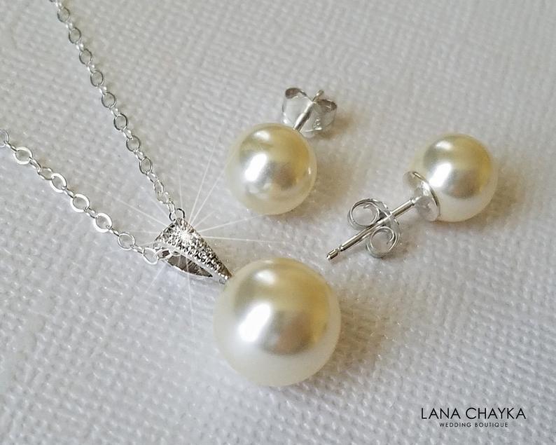 Mariage - Pearl Bridal Jewelry Set, Swarovski Ivory Pearl Earrings&Necklace Set, Wedding Jewelry, Simple Pearl Bridal Jewelry Set, Bridal Party Gifts