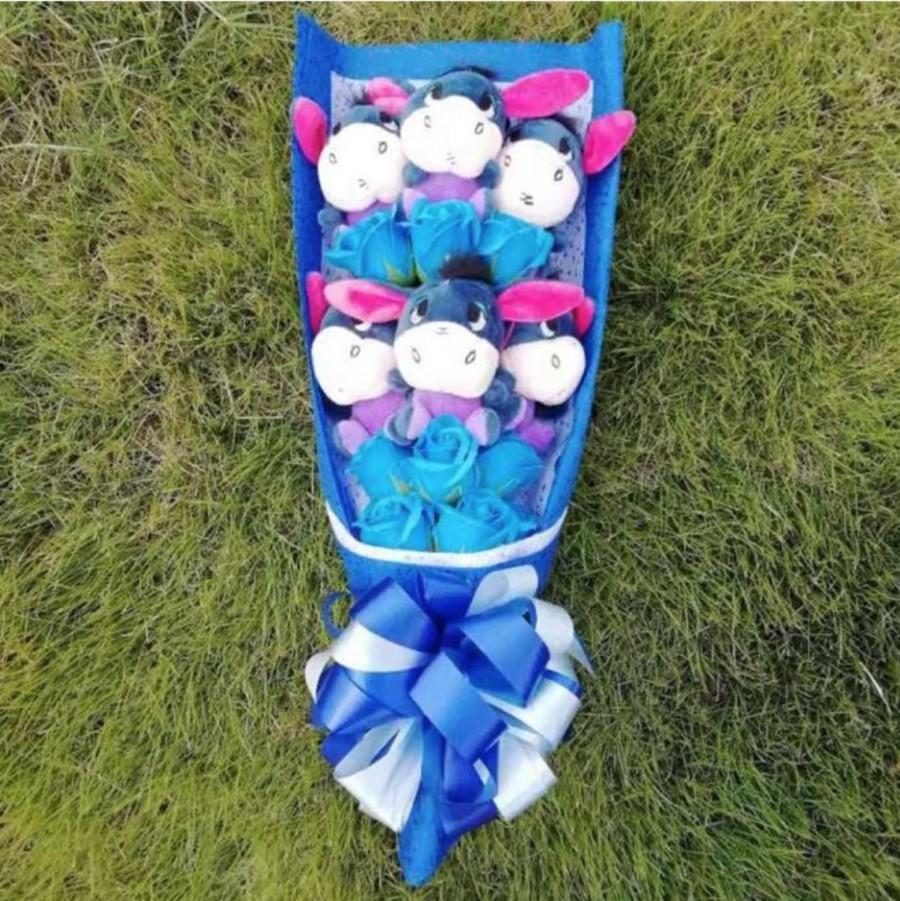زفاف - Disney Inspired Eeyore Bouquet, Winnie the Pooh, Bridesmaid , Fairytale Bouquet, cinderella bouquet