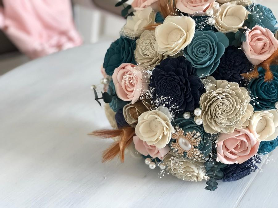 Mariage - 1920's Vintage Blush and Blue Bouquet - Wooden Flowers - Feathers - Pearls - Brooches - Bridal Bouquet - Rose Gold - Wedding Flowers