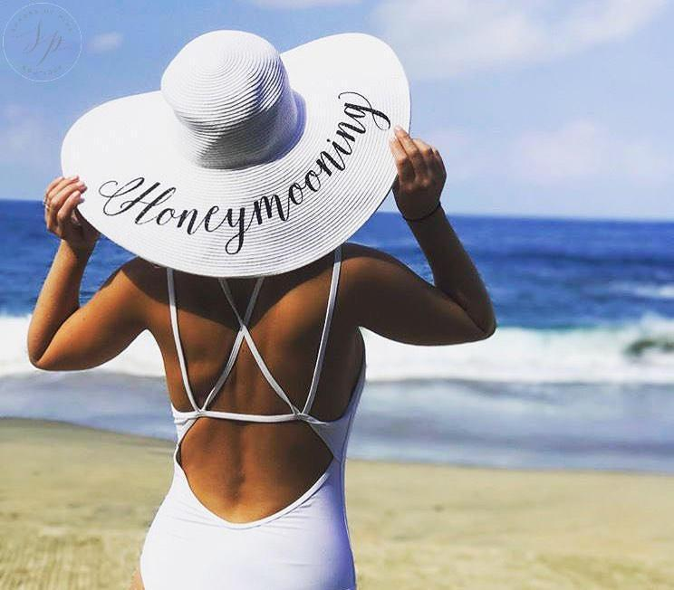 Hochzeit - Honeymoon hat - Personalized floppy hat - Personalized sun hat - Floppy hat- Floppy beach hat- Honeymoon hat - Bride gift - just married hat