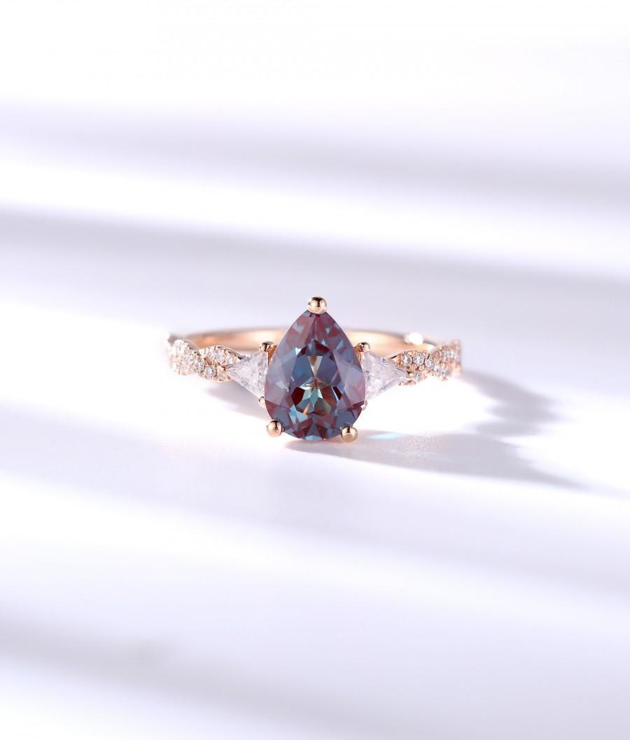 زفاف - Vintage Alexandrite engagement ring moissanite ring Pear shaped ring rose gold ring art deco ring promise unique anniversary ring