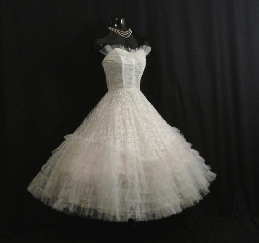 Свадьба - Vintage 50's 50s STRAPLESS Bombshell White Tulle Embroidered Lace Party Prom Wedding DRESS Gown