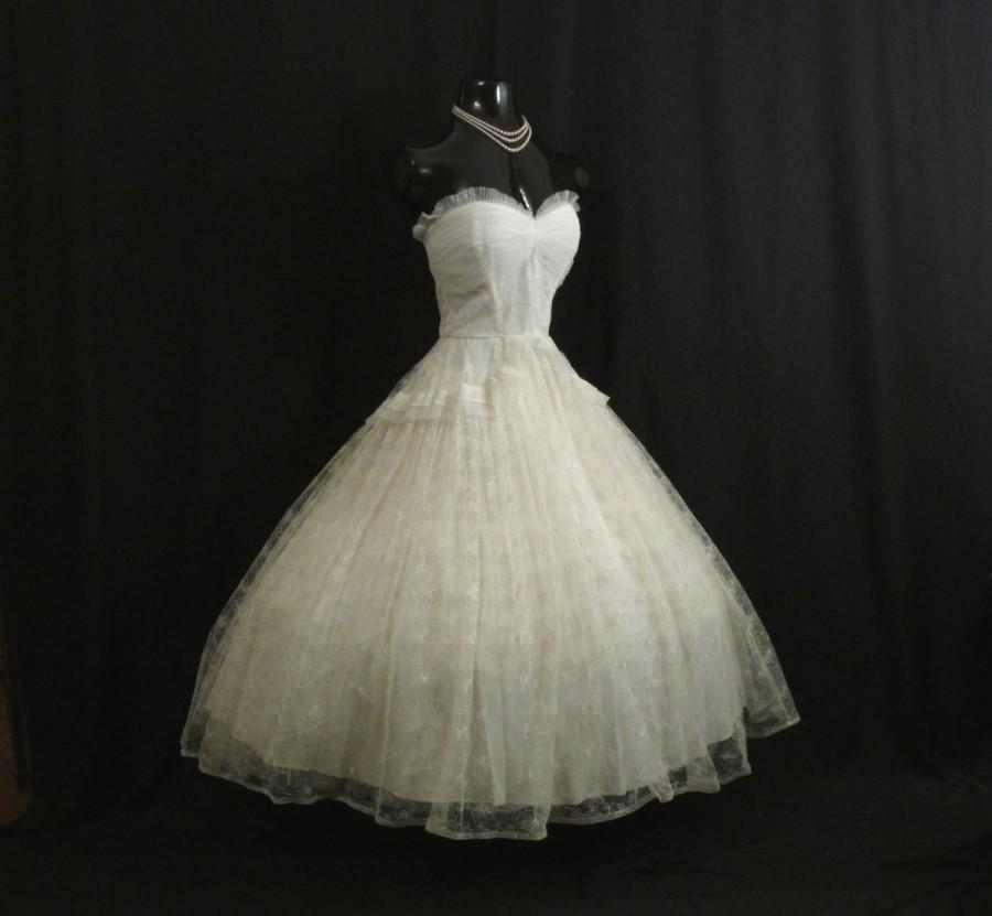 Wedding - Vintage 50's 50s STRAPLESS Bombshell Ivory Tulle Embroidered Lace Party Prom Wedding DRESS Gown