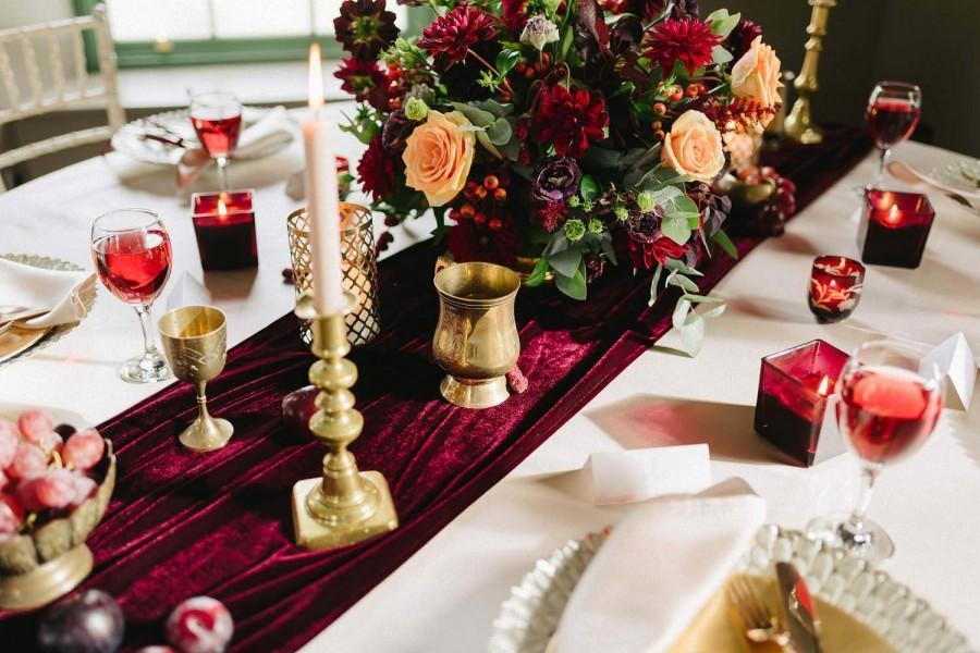 Mariage - Burgundy Velvet Table Runner