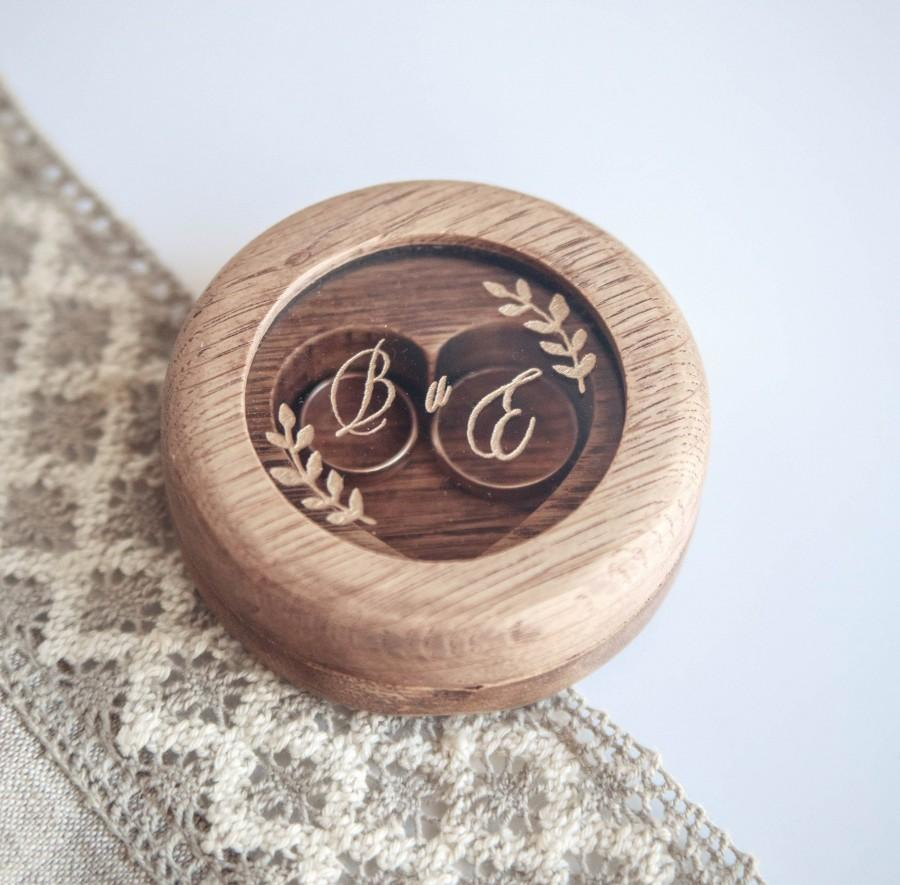 Hochzeit - Personalized wooden wedding  ring box, Double engagement ring box, ring bearer box, custom engraved ring holder, oak wood box