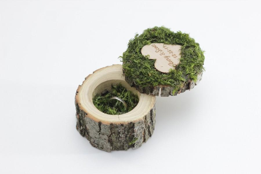 Mariage - Moss Ring Boxes a heart