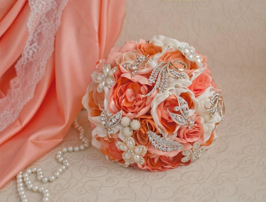 Mariage - Brooch bouquet. Coral, Ivory and Gold wedding brooch bouquet, Jeweled Bouquet. Made upon request