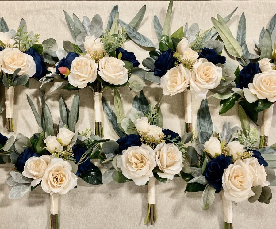 Свадьба - Champagne and Navy Blue Roses with Silver Dollar Eucalyptus Rustic Chic Wedding Bouquet, Corsage, Boutonniere *Build Your Package*