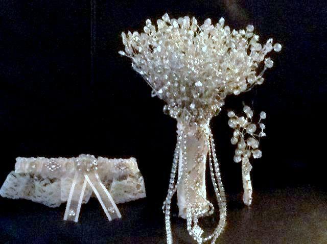 Hochzeit - Rhinestone Bridal Bouquet, Wedding  Brooch Bouquet, Bouquet Set, Wedding Bouquet Set, Brooch Bridal Bouquet, Boutonniere, Garter Belt