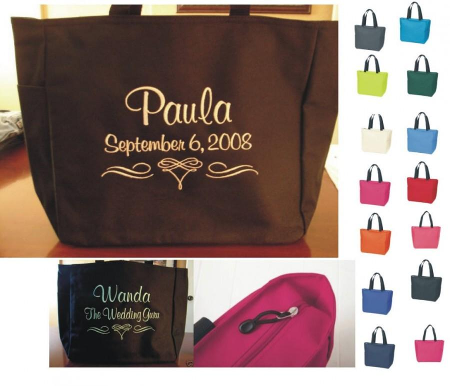 Mariage - 8 Personalized Tote Bags Monogram Bridesmaid Gift Wedding SHOWER Personalized Embroidered friends family party 2 lines Zipper Zip