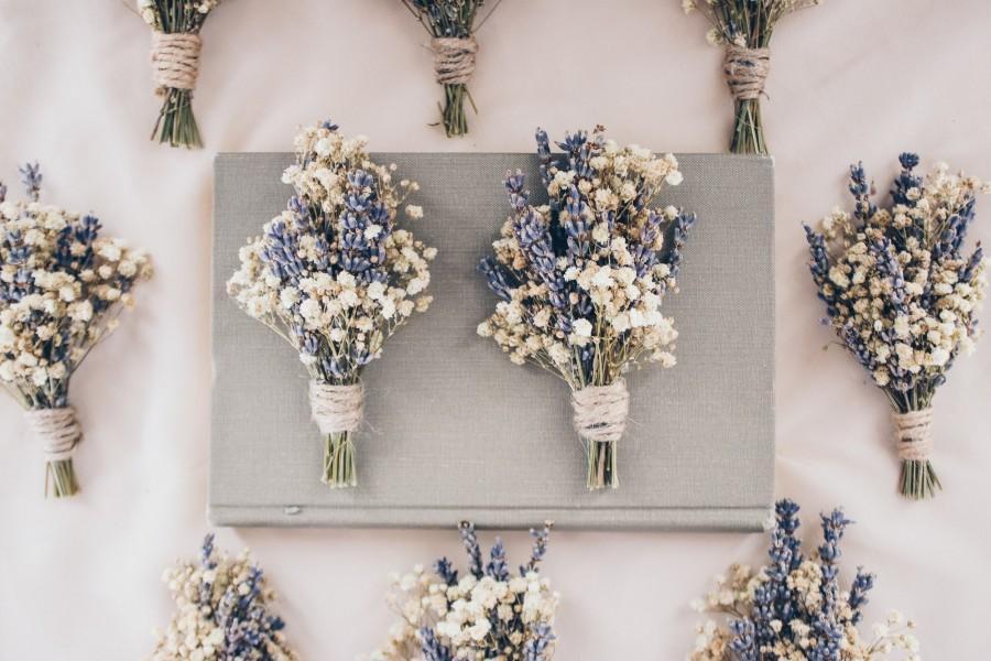 Mariage - Lavender Boutonniere / Lavender babies breath boutonniere / Lavender Thistle boutonniere / Lavender buttonhole / Men's pin