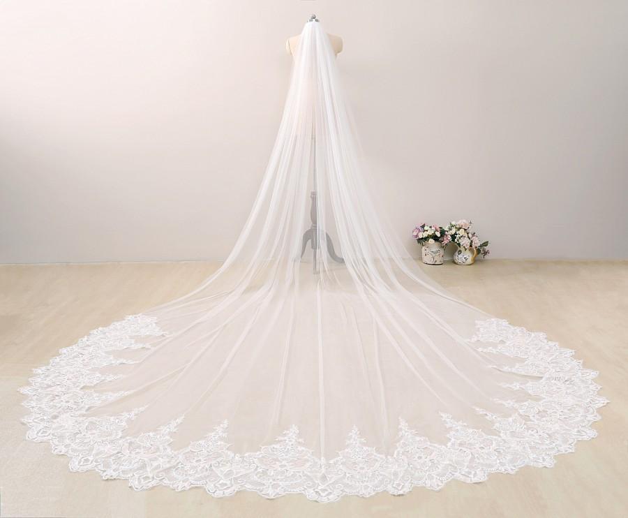 Свадьба - Celestial Champagne Lace Bridal Veil, Floral Lace Bridal Veil, Cathedral Bridal Veil Lace, Chapel Length Veil Lace, One Tier Cathedral Veil,