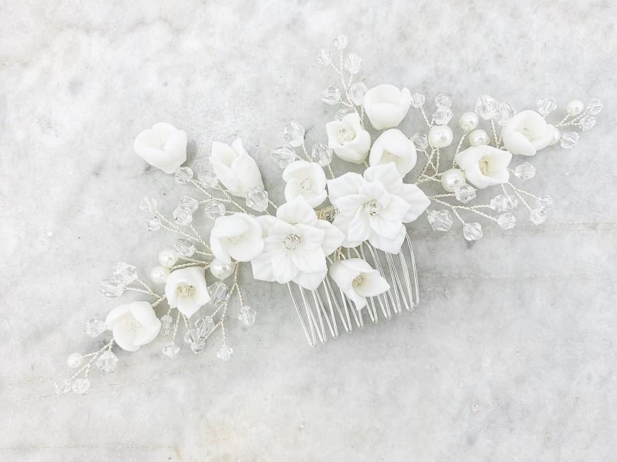 Mariage - Flower Hair Comb, Wedding Headpiece, Bridal Hairpiece