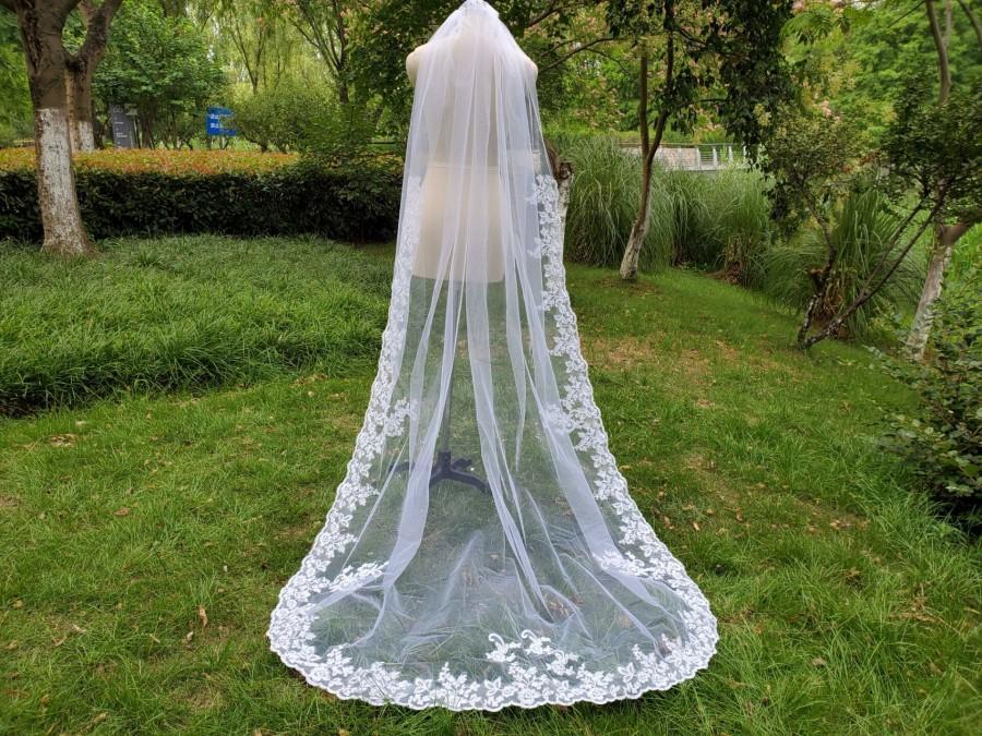 زفاف - ONE TIER wedding lace veil  ivory lace trim veil  lace applique cathedral veil, long bridal veil, white veil  & vomb