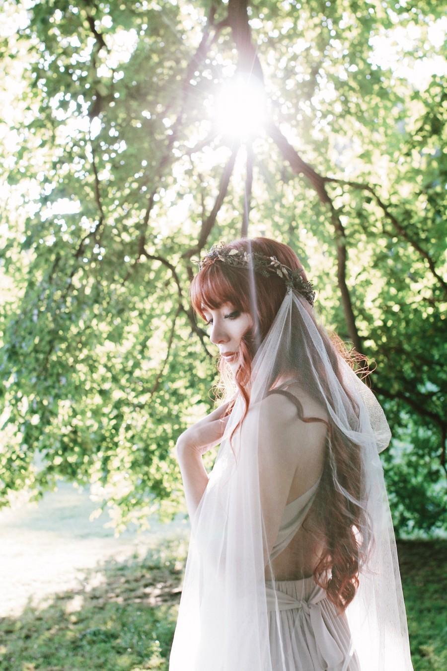 Wedding - Woodland wedding headpiece with veil, Boho bridal crown, Rustic wedding veil, Twig crown, Waltz length, Medieval hair wreath, leafy circlet