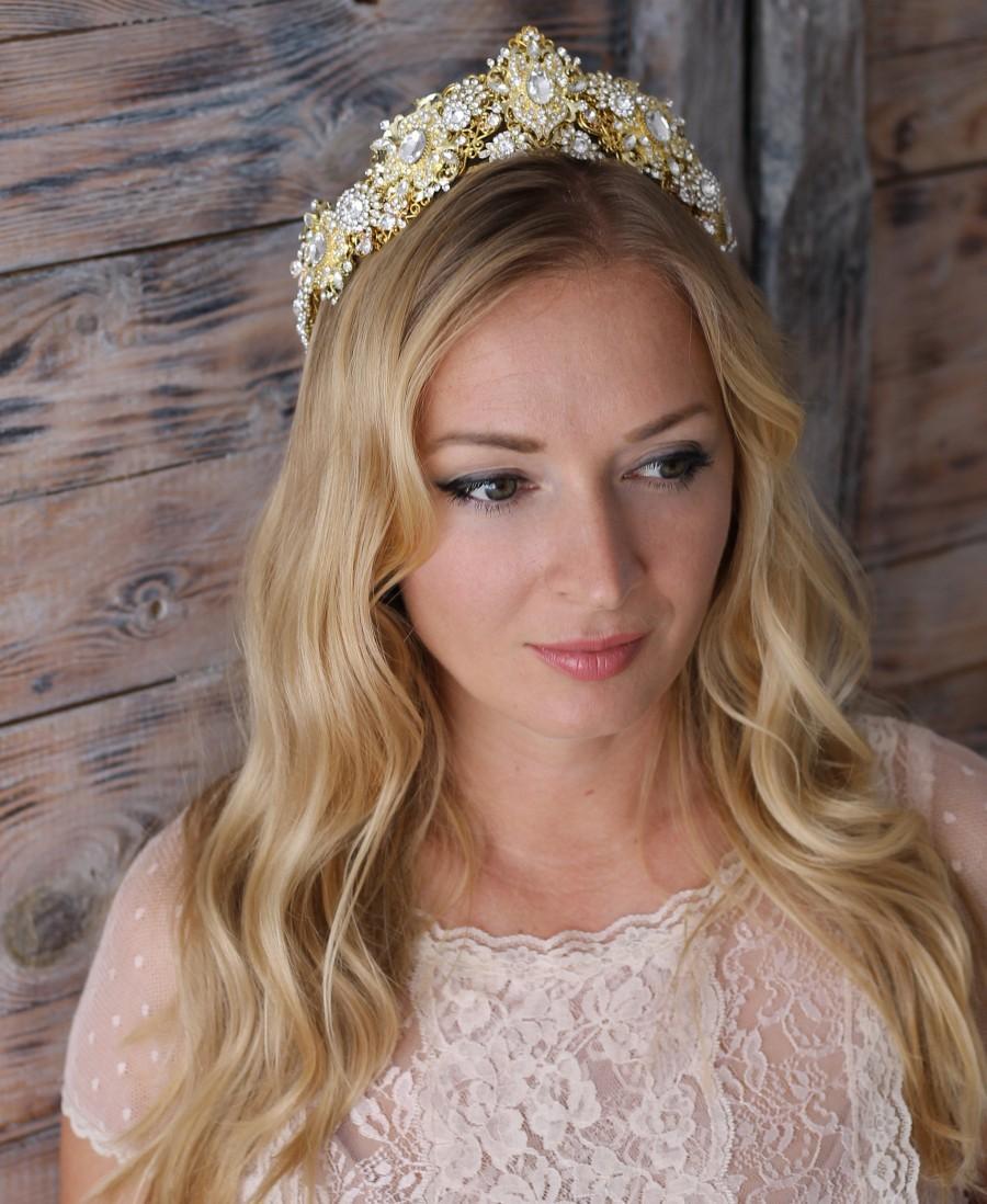 Mariage - Gold bridal crown~Gold wedding crown~Gold wedding earrings