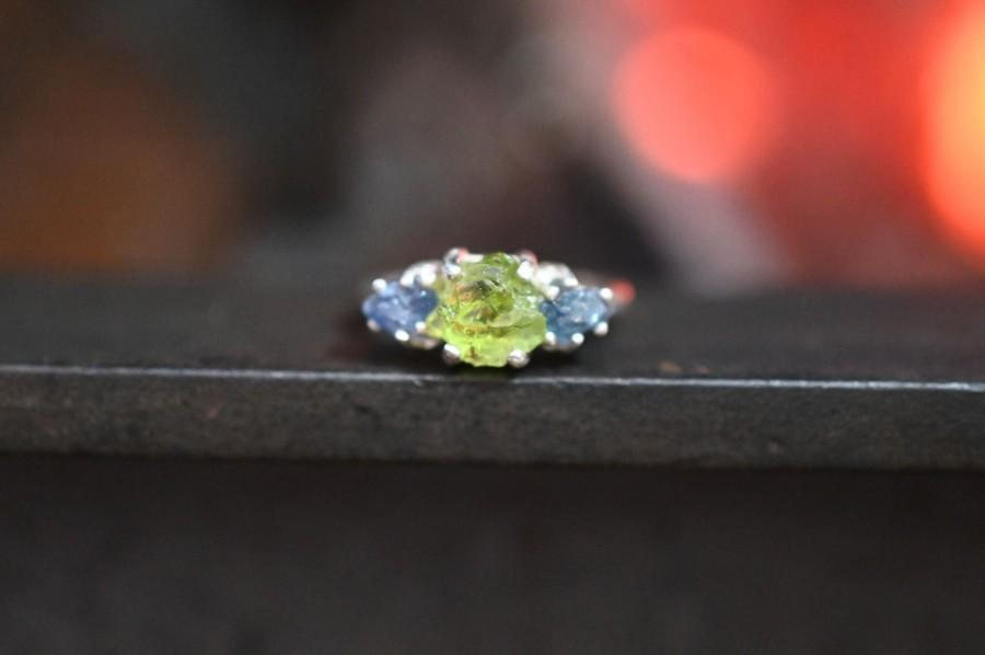 Свадьба - Peridot Engagement Ring - Three Stone Ring - Sapphire Ring -  Unique Gemstone Sterling Silver Promise Ring Size 5 Wedding Band