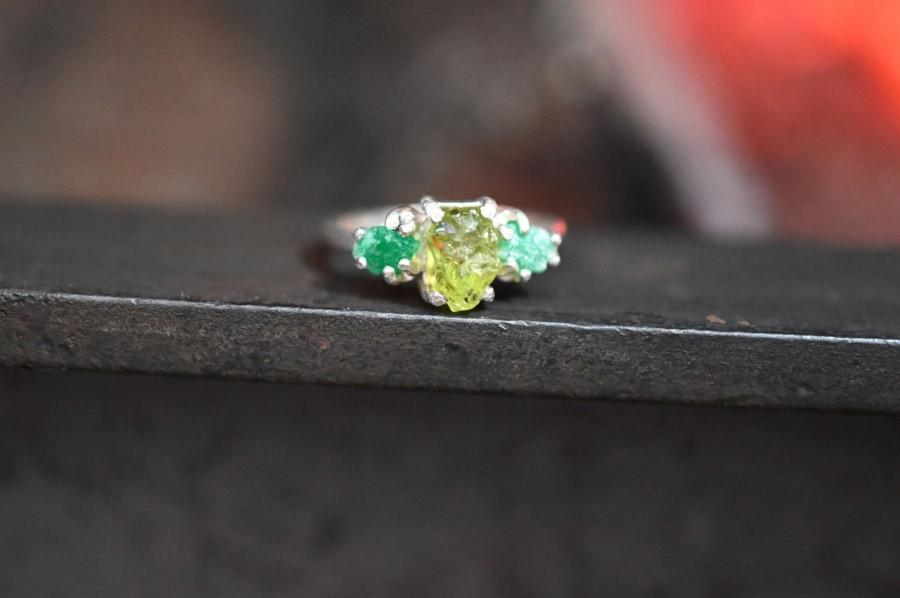 Hochzeit - Natural Emerald Ring, Raw Peridot Ring,  Raw Emerald and peridot Engagement Ring Unique Rough Emerald Wedding Band Size 5