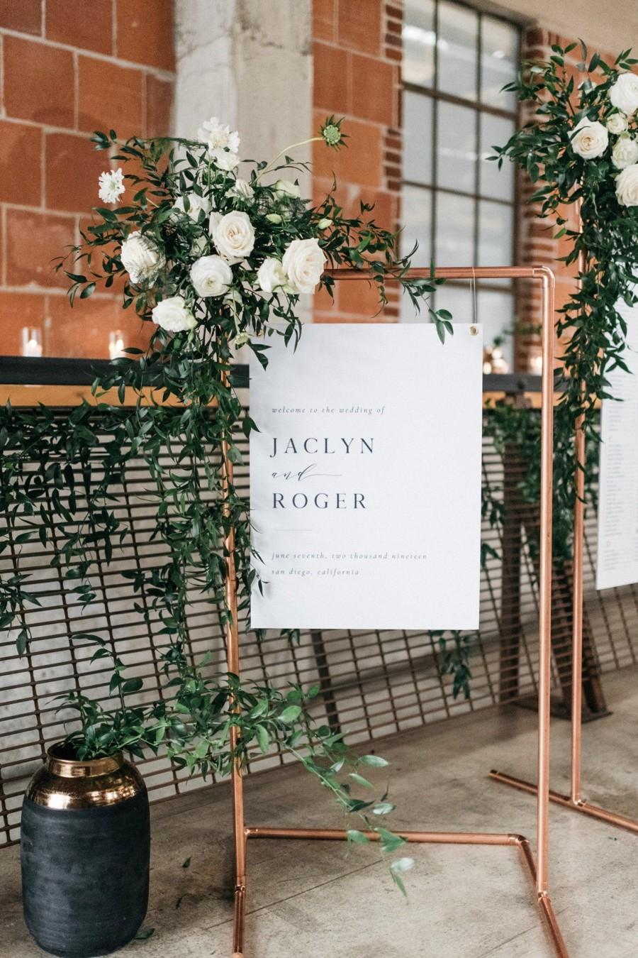 زفاف - Copper stand welcome sign, wedding bar stand, seating chart stand