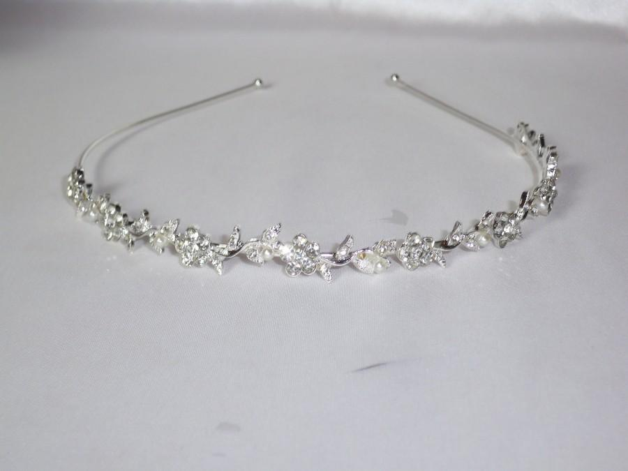 Hochzeit - Rhinestone pearl headband, hairband, tiara, bridal wedding tiara,flower girl tiara party princess child tiara headband,first communion tiara