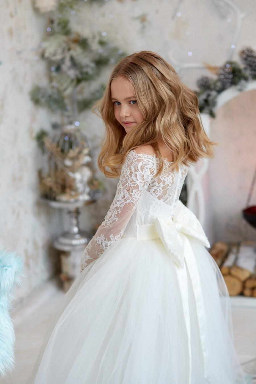 Mariage - Flower girl dress,Rustic Flower Dress,Tulle flower girl dress,Junior Bridesmaid Dress, lace Flower Girl dress,White lace flower girl dress