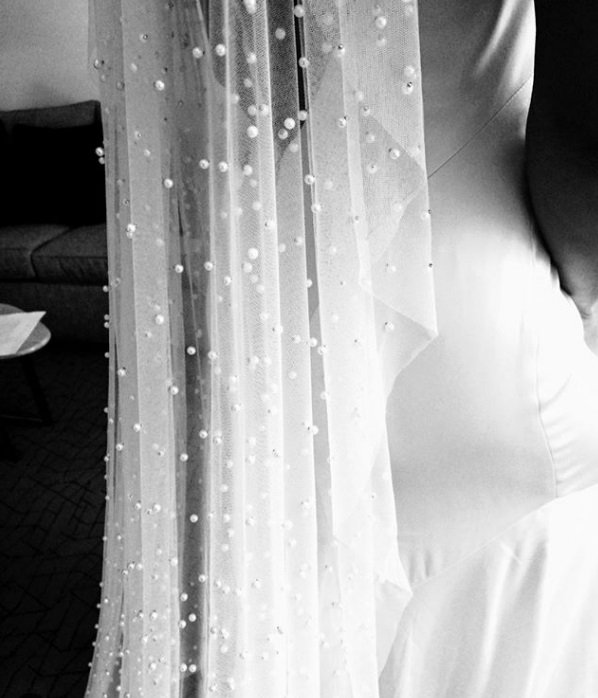 Mariage - Soft pearls Bridal Veil, Pearl Wedding Bridal Veil white, ivory  Pearls bridal Fingertip Floor Chapel Cathedral length veil with Pearls