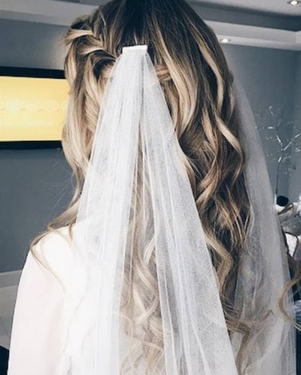 Wedding - Boho Wedding Veil, Boho Bridal Veil , Boho Wedding Veil, draped bohemian veil, Soft English tulle veil , fingertip chapel boho bridal veil