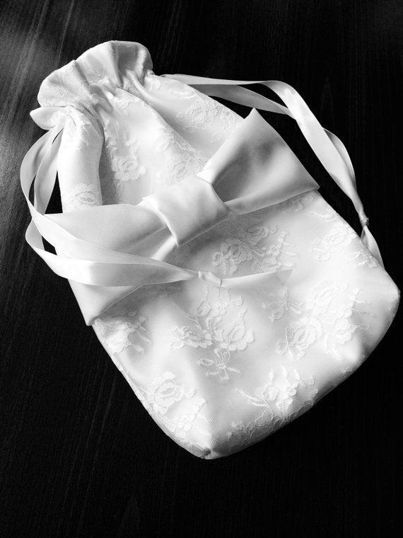 Hochzeit - Bride Money Purse - Bride's Card/Money Bag - Bridal Dance - Dollar Dance - Satin Drawstring Bag - Wedding Accessory - Lace Drawstring Bag