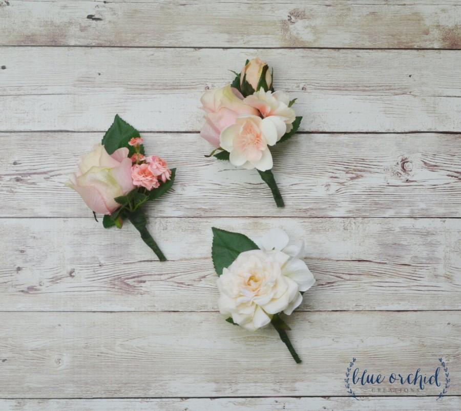 Hochzeit - Pink Peach Boutonniere, Silk Boutonniere, Wedding Boutonniere, Boutonnieres, Wedding Flowers, Rustic Wedding, Pink, Peach, Cream, Boho