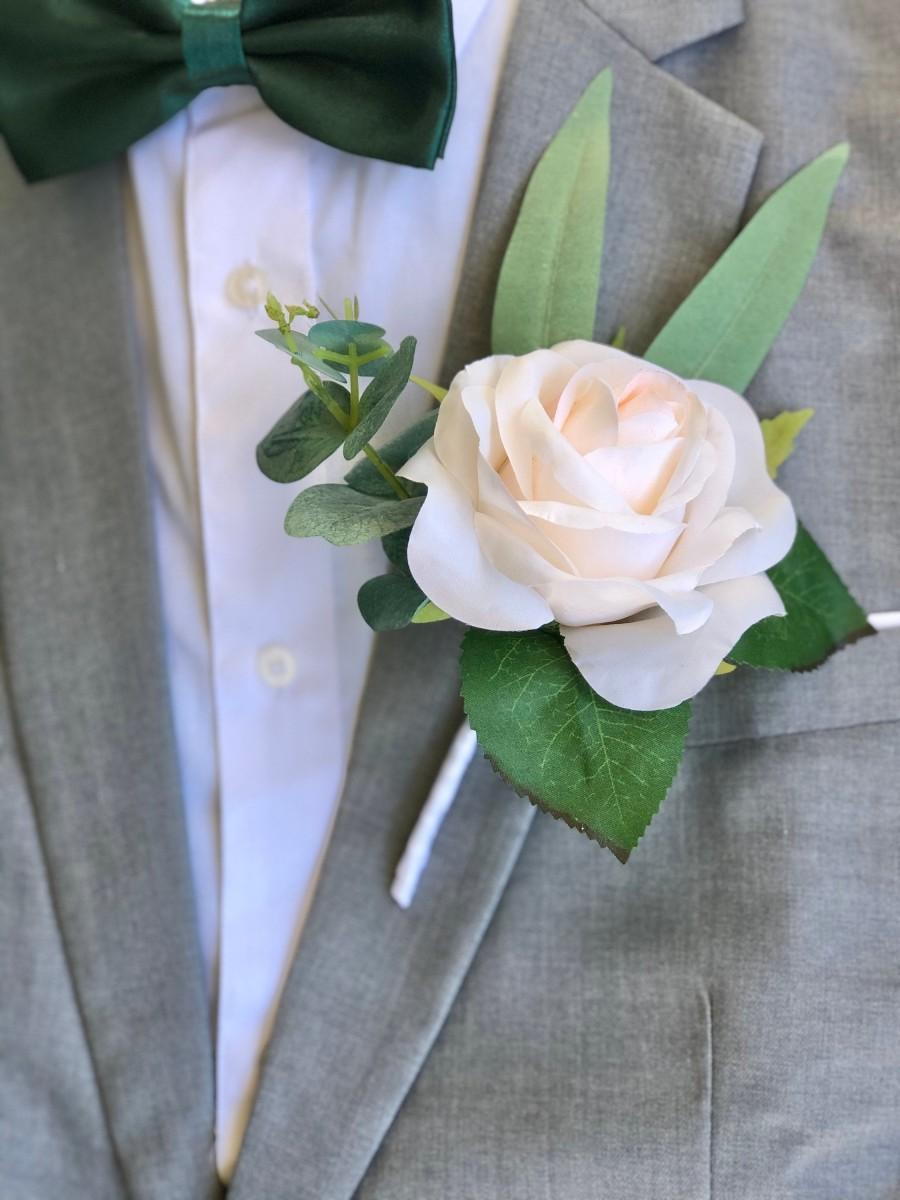 زفاف - Ivory Blush Rose Eucalyptus Boutonniere