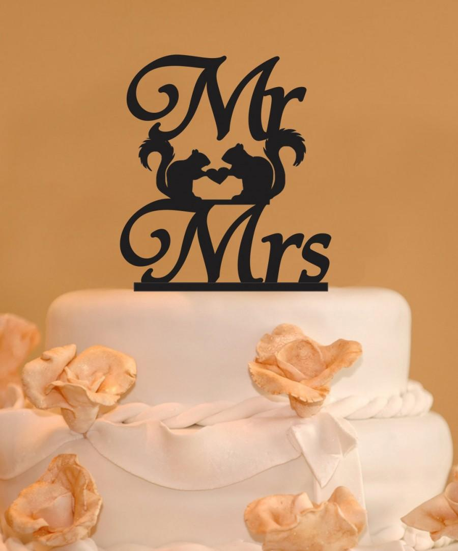 Свадьба - Custom Mr. and Mrs. Wedding Cake Topper with squirrels - Mr. and Mrs. squirrels with heart cake topper - Squirrels wedding cake topper
