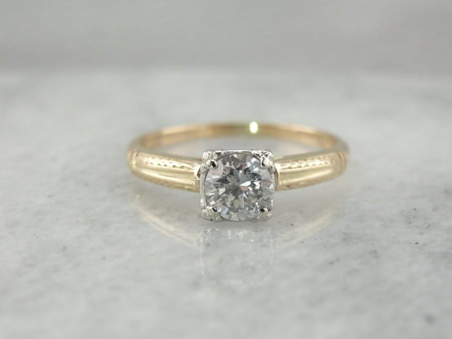 زفاف - Fantastic Framing: Sparkling Diamond Solitaire with Etched Details  YD0HV1-P