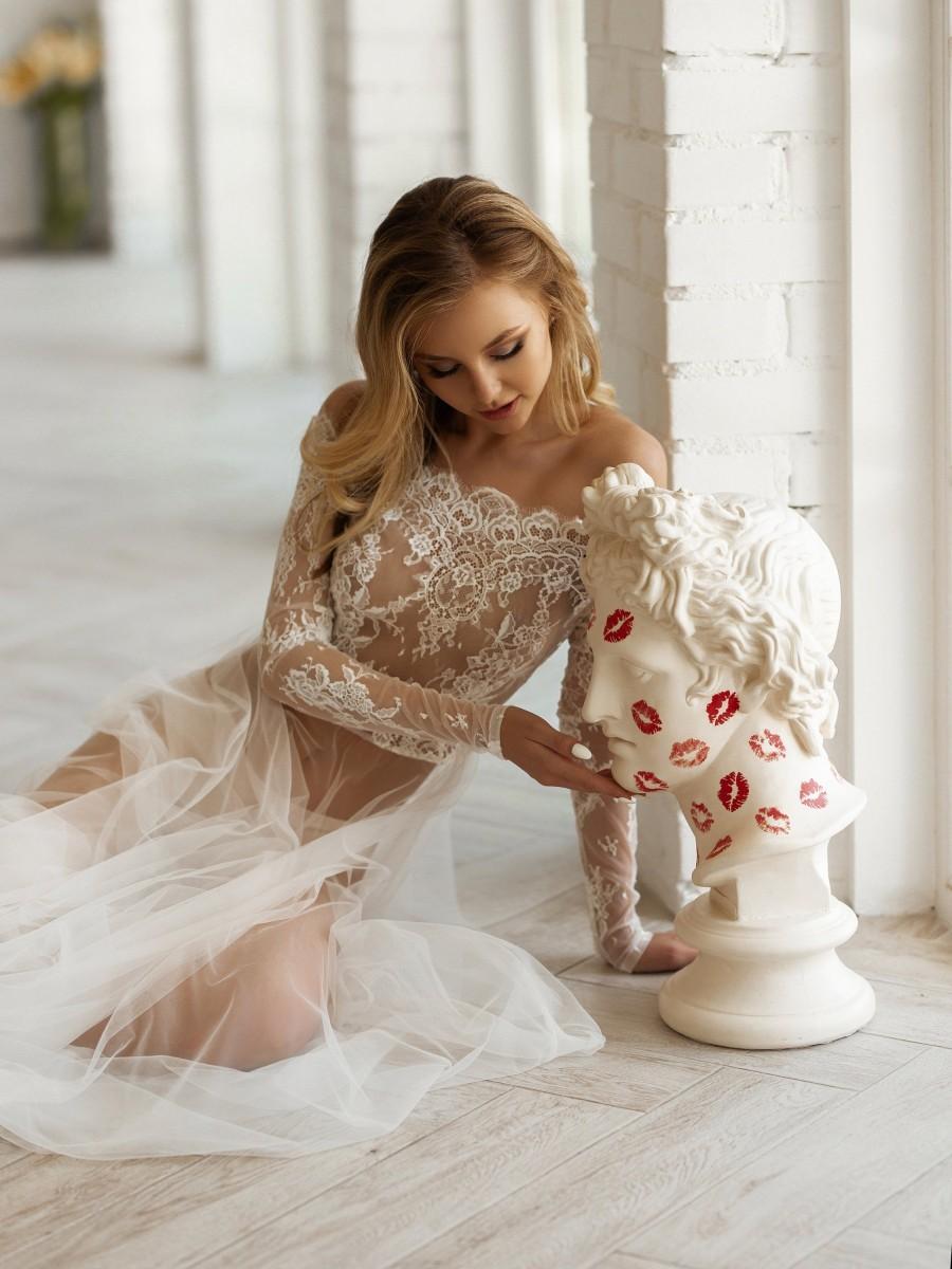 Свадьба - Chantilly Bridal Lace Robe, Floor Length Tulle Peignoir, Wedding Photo Shoot Robe, Long Sleeve Off Shoulder Robe