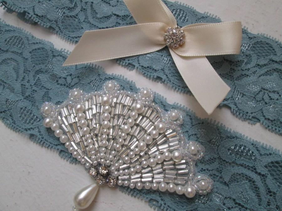 Свадьба - Something Blue Wedding Garter Set, Dusty Blue Bridal Garter, Slate Blue Lace Garters w/ Pearl Beaded Fan, Rustic- Vintage- Country Bride