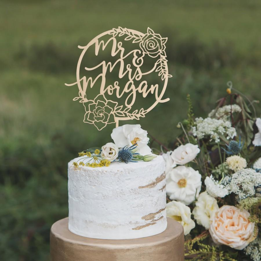 Hochzeit - Floral cake topper, Custom Mr and Mrs cake topper, Rustic wedding cake topper, Floral wedding cake topper, Boho floral hoop