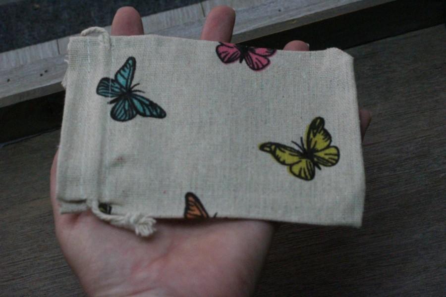 Hochzeit - Butterfly Tan Burlap Gift Gemstone Pouch 5.25 x 3.75 Inches Q13