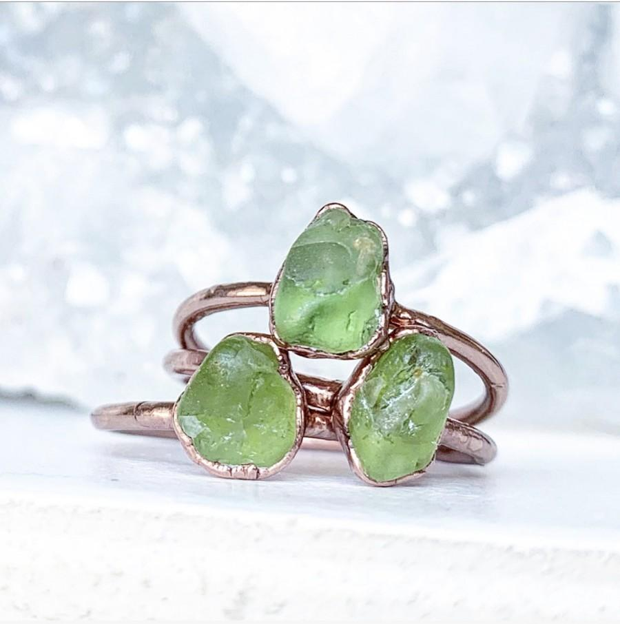 Mariage - Raw Peridot Stacking Ring, August Birthstone Ring, Raw Stone Ring, August Birthstone Jewelry Gift, August Birthday Gift for Her