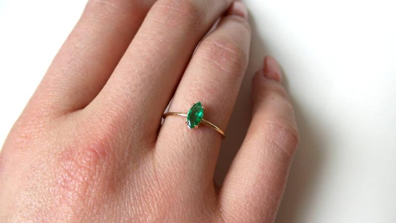 زفاف - Emerald Ring/ Natural Emerald Ring/ 14k Gold Emerald/ Colombian Emerald Ring/ May Birthstone Ring/ Dainty Emerald Ring/ Delicate Emerald