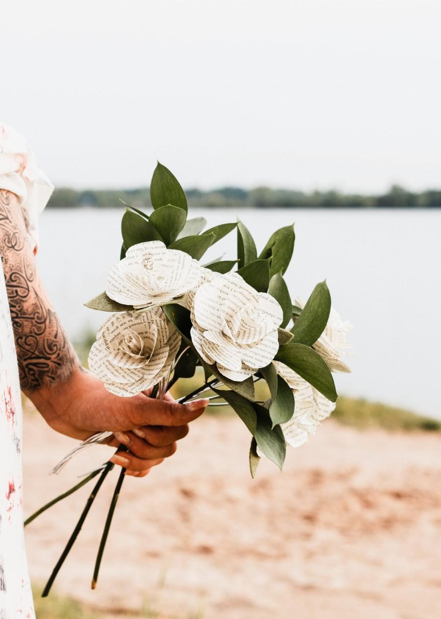 زفاف - Beauty and the Beast Paper Flower Bouquet, Wedding Flowers, Book Page Rose, Bridal Shower, Bride Bouquet DIY, Paper Flowers, Be Our Guest