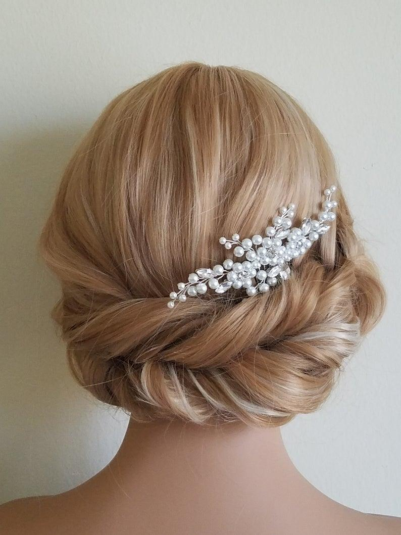 Mariage - Pearl Bridal Hair Comb, White Pearl Headpiece, Wedding Pearl Crystal Hair Piece, Bridal Hairpiece, Wedding Hair Jewelry, Pearl Floral Comb